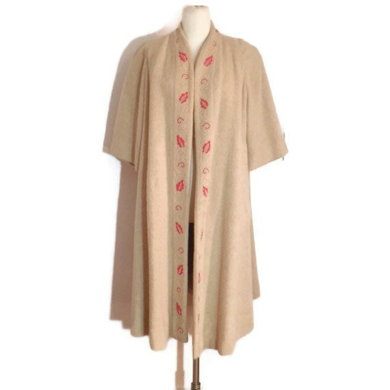 Gorgeous VINTAGE 1950's Cream Evening Coat with Embroidered Soutache Trim and Red Seed Beads