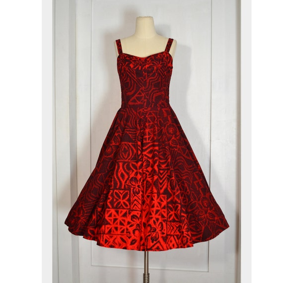 VINTAGE 1950's Dress //  Red Floral Hawaiian Bombshell Dress w/ Shelf Bust, Sz M/L