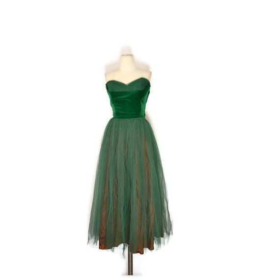 VINTAGE 1950's Rich Green Velvet and Tulle Party  / Prom Dress with a Shelf Bust, Sz Sm
