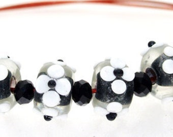 Elegant Hole 3mm Rondelle Lampwork 6Beads White Flower Black Lampwork beads  four petals Flowers Handmade jewelry designs European Style