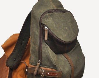Backpack in Stonewashed italian canvas with leather details, Nota in military green color.MADE TO ORDER
