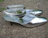 Vintage 60s Silver Shoes Size 7 Portraits by Mr. Kimel