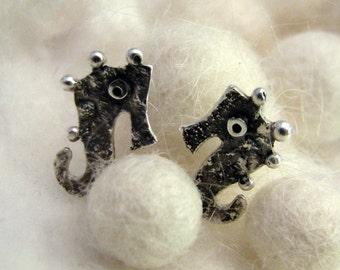 SEAHORSE Sterling Silver Stud Earrings Mini Zoo series