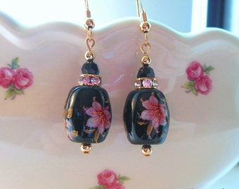 NEW Gorgeous Garden Lily on Black Japanese Tensha Bead Earrings