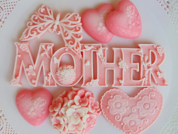 Mothers Day Soap Gift Set - flowers - hearts - butterfly - bouquet