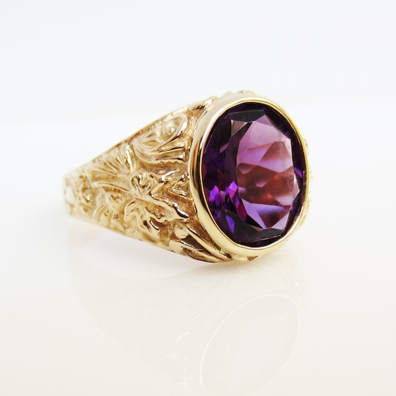 Large oval Amethyst 14k gold men's ring