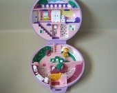 Vintage Polly Pocket Case,  Polly is in her House,  Bluebird 1989