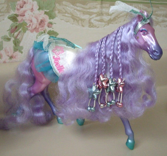 Kenner FASHION STAR Filly, Joelle. One of the original six from 1987 with Accessories
