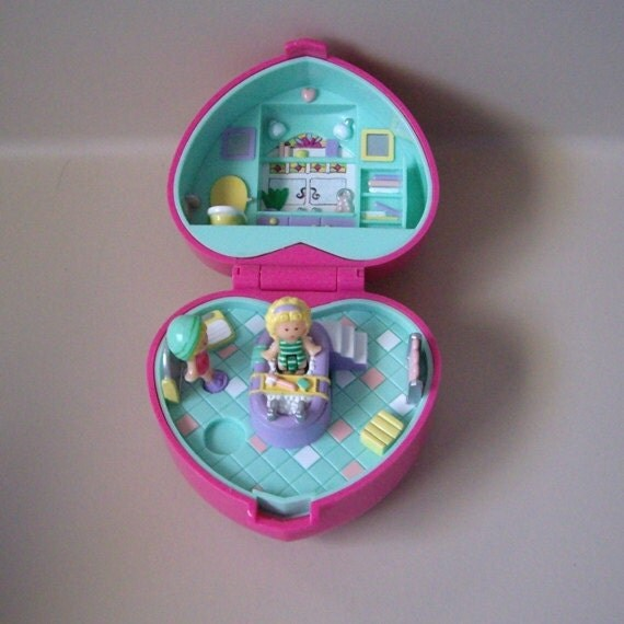 Vintage Polly Pocket Bath Time Case with bathtub and two figures, Bluebird 1991