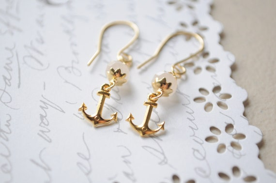 Sweet summer earrings-- Golden anchor earrings with creamy czech glass
