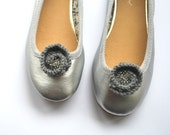 Grey Knitted Flower Shoe Clips (Set of 2)