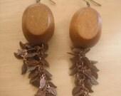 wood & leaf chain earrings