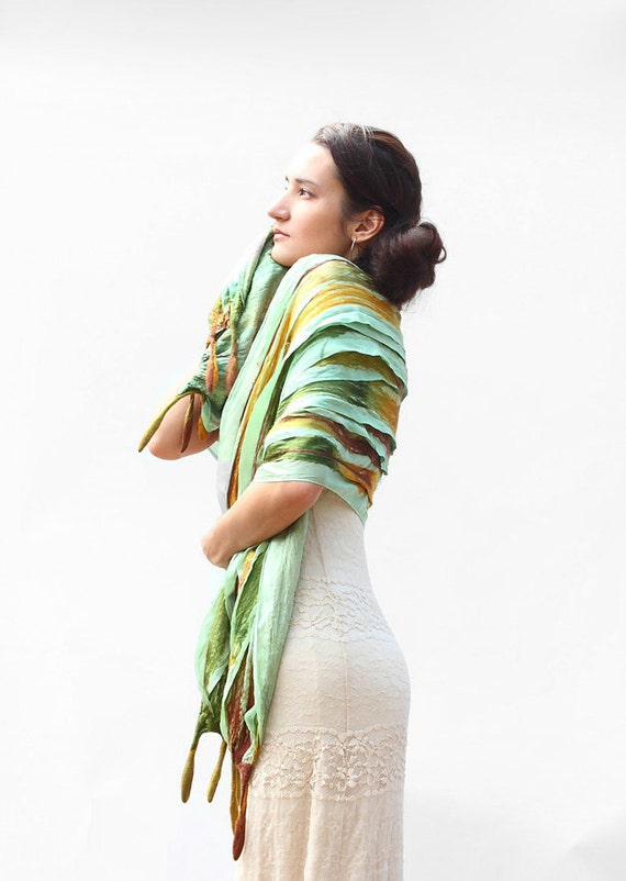 Moss green shoulder wrap perfect for spring evenings