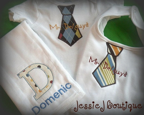 Personalized Baby Gift Sets : Personalized baby boy gift set including bib bodysuit and burp