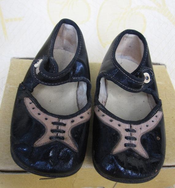 Vintage Child's 2 Tone Patent Leather Dress Shoes Sz 2