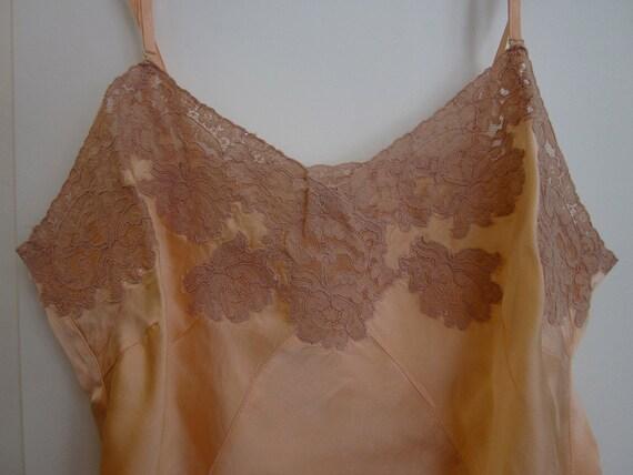 1930 Salmon Colored Silk & Lace Slip Sz 36 Carson Pirie Scott Chicago