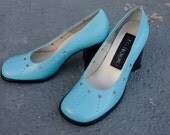 Vintage Chunky 60s mod baby blue hearts heel