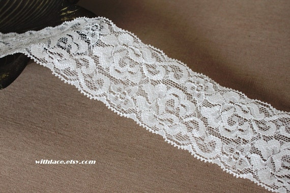 3 yds  floral stretch lace in white---2''