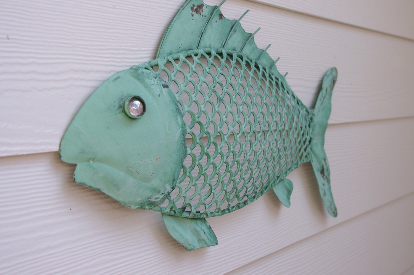 Nautical wall decor metal fish sea foam green for Metal fish art wall decor