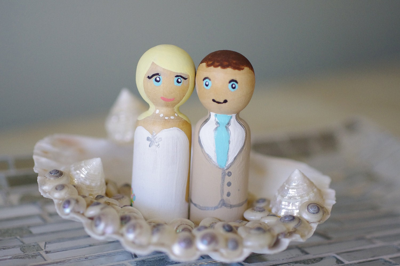 Items similar to Beach Wedding Cake Topper with Seashells