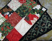 Holly and pinecones table runner