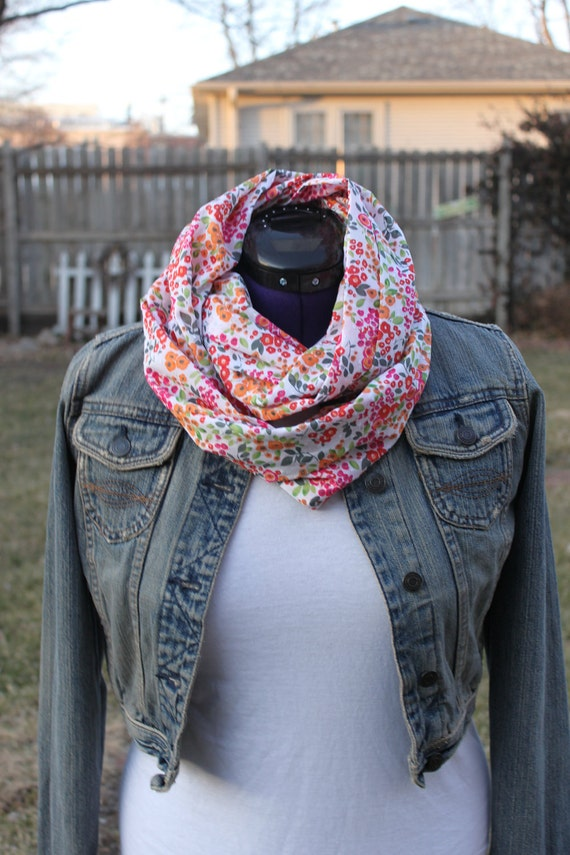 pink and white scarf, light weight infinity, circle or loop scarf, Christmas