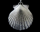 Scallop Necklace (medium)