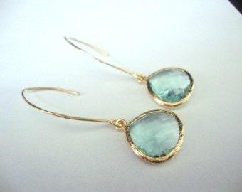 Bridesmaid earrings mint, mint bridesmaid earrings, earrings mint and gold, bridesmaids gift earrings, long earrings mint, mint bridesmaid