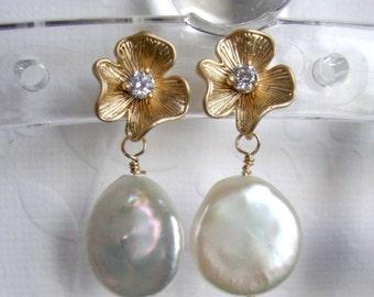 Bridal earrings Ivory Pearls studs earrings Gold earrings Gold flower with freshwater drop ivory pearl Studs earrings