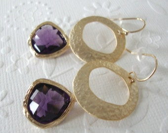 Drop earrings / Wedding jewelry / Purple dangle earrings / Bridal or bridesmaids / Statement Jewelry / Wedding earrings