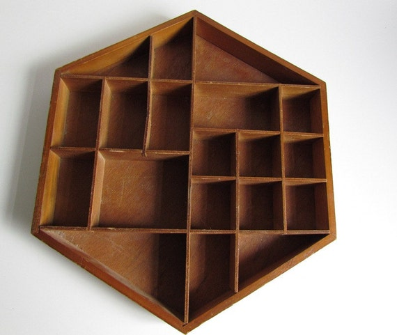 Vintage 6 Sided Display Case Wooden Wall Mount Shelf 19 Nooks Hexagon Rustic Cabin Shadow Box Decor