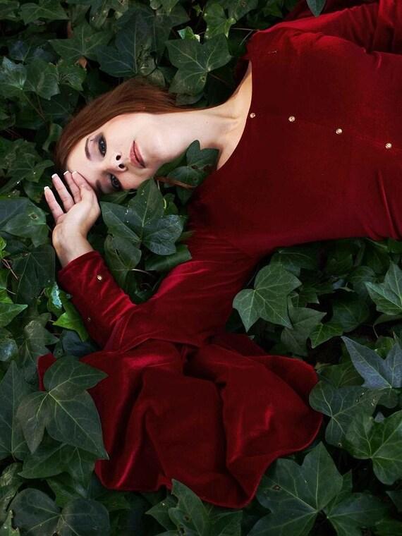 Medieval Fantasy velvet red gown