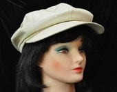 Newsboy Style Vintage Cap 1970s or 1980s Ecru or Bone Color Leather or Vinyl Retro 1920s