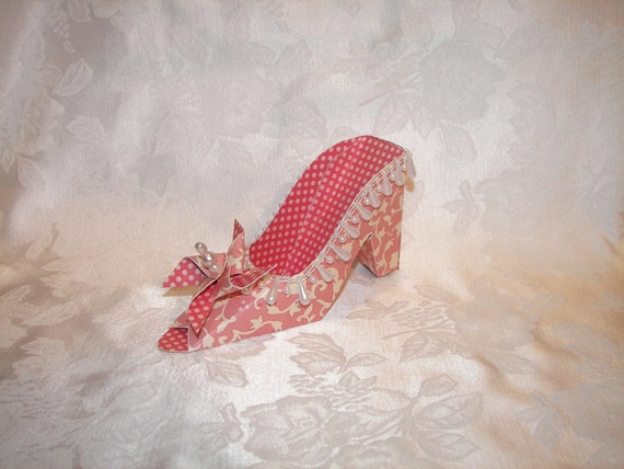 Strawberry Swirl Pinwheel Paper Shoe Gift Box Favor Box