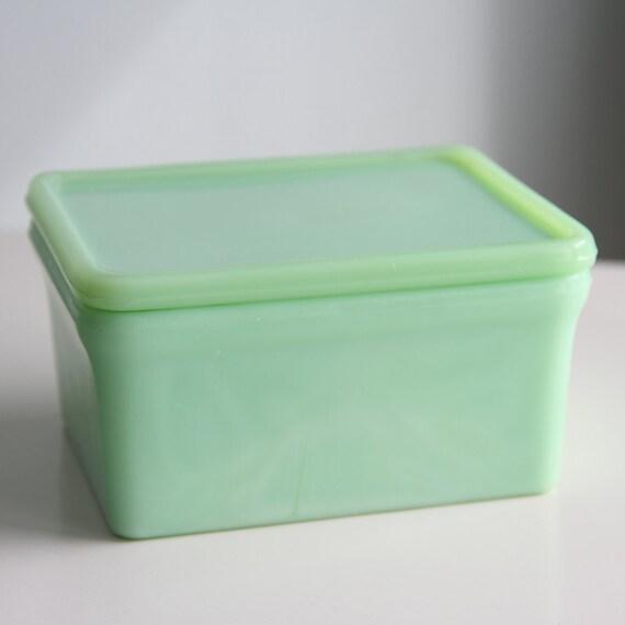 Vintage Mckee Jadeite 4 x 5 Refrigerator Dish