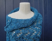 "Lacy Wool Poncho in Fabulous ""Cindy"" Style. Wide, Decorative Collar. Stretch Galore."