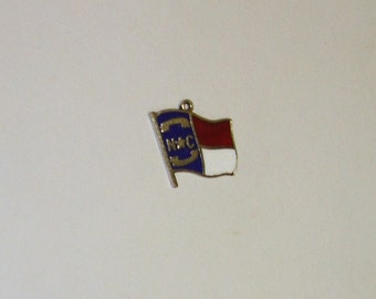 Vintage ELCO Sterlng Silver Enameled North Carolina Souvenir Charm Bracelet Charm or Necklace Pendant