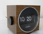 ON RESERVE Vintage Seth Thomas Cube Flip Clock