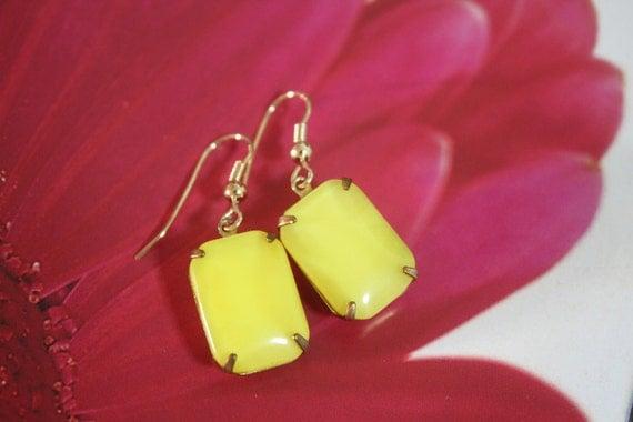 Yellow Czech Glass Dangle  Earrings,Estate jewelry Style