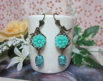 Mint Green Daisy with aqua glass jewel Earrings.  Lovely Gift for her. Anniversary, Birthday, Maid of Honor.