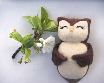 Needle Felted Owl - Happy Little Owl Ornament - Wool Pet Owl