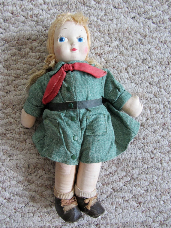 13 inch Georgene Novelties Official Girl Scout dressed cloth doll 1940s to 1950s