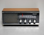 Vintage Raido 1970s Panasonic AM FM radio counter top model RE 6513. Works great