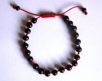 Hand knotted Rosewood wrist mala/ bracelet ( knots between each beads) for meditation