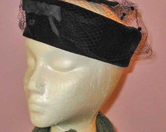 Trendy BLACK VELVET HALO Hat Veil & Bows, 1950s Vintage Chic Circlet Reenactor Wear Accessory, Mad Men Retro Glam Style, Cocktail Party