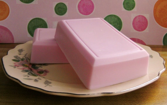 Luscious EXTRA Creamy BLACK CHERRY BLAST Soap (VEGAN Friendly) Loads of creamy lather and bubbles