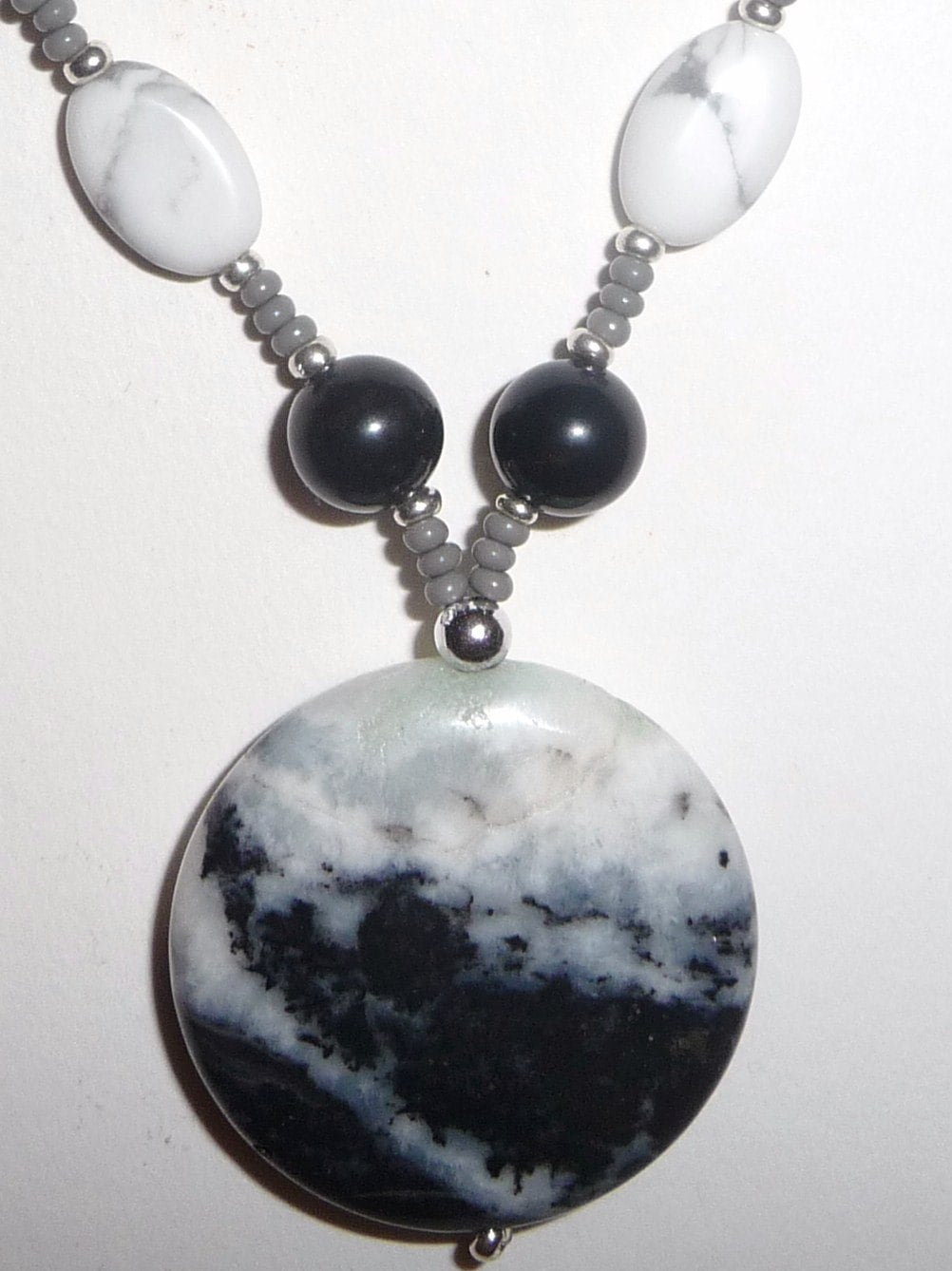 black and gray stone necklace black gray beaded necklace. Black Bedroom Furniture Sets. Home Design Ideas