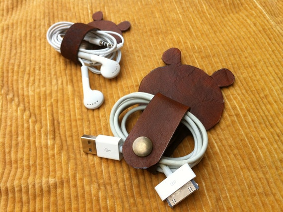 Leather Hand Crafted 2 Cables Band Organizer / Bear shape