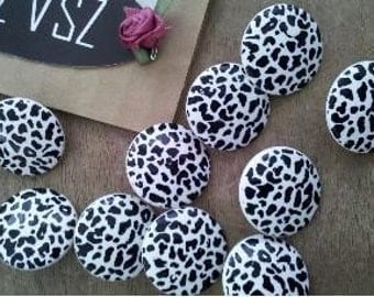 1 set of 20 Pieces Black and White Leopard Pattern 36L  Buttons