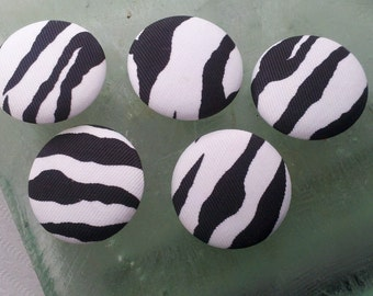 Handmade  Buttons With  Black and White Zebra pattern Fabric .  1.5 Inch . 5 Piece Lot.  Home Decor, Bag.